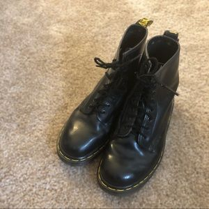 Women's Dr Martens 1460 smooth